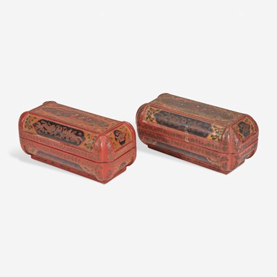 Lot 44 - An associated pair of Chinese incised lacquer boxes 戗金漆盒一对