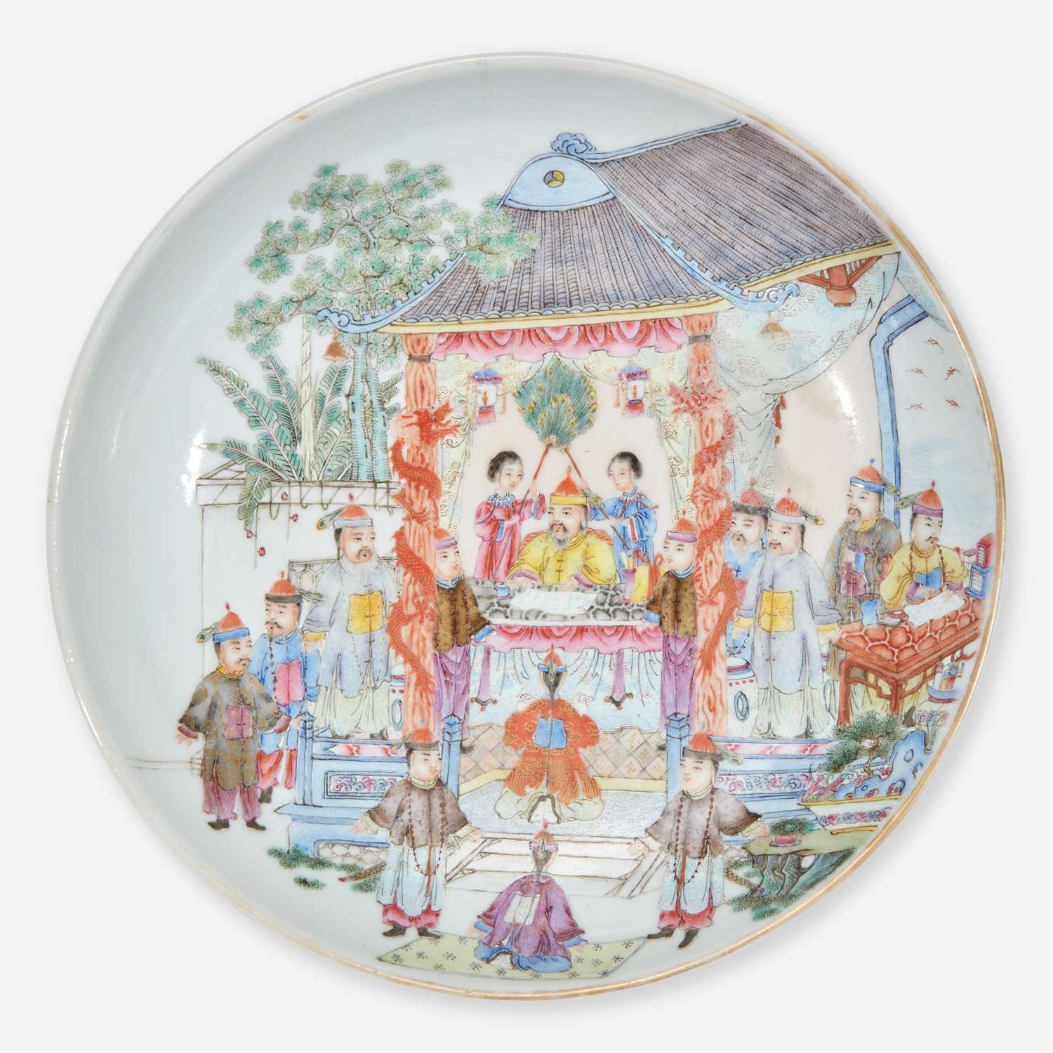 Lot 30 - A Chinese famille rose-decorated porcelain small dish 粉彩人物小盘