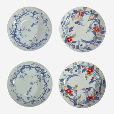 Lot 82 - Two pairs of Japanese Nabeshima type porcelain dishes 日本锅岛烧风格瓷碟两对