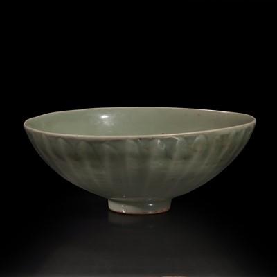 "Lot 2 - A Chinese Longquan celadon petal-carved ""Lotus"" bowl 龙泉窑刻划花碗"