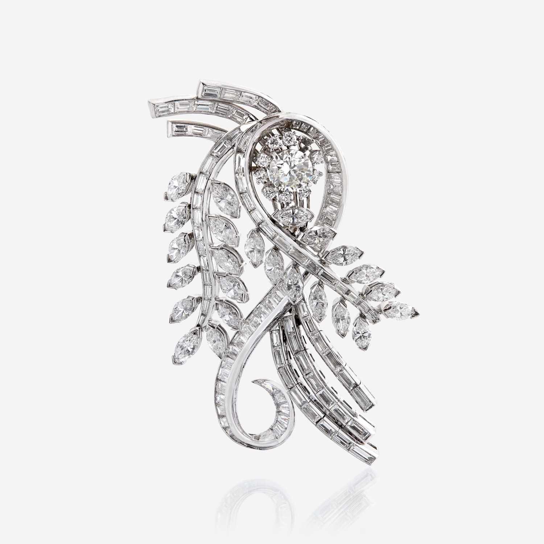 Lot 56 - A diamond and platinum pendant