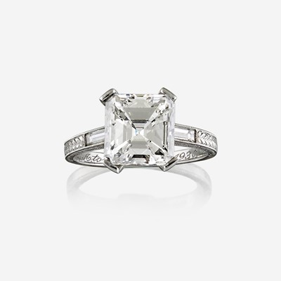 Lot 67 - A diamond solitaire