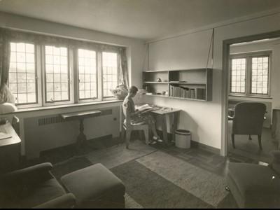 Lot 83 - Marcel Breuer (American, b. Hungary, 1902-1981)