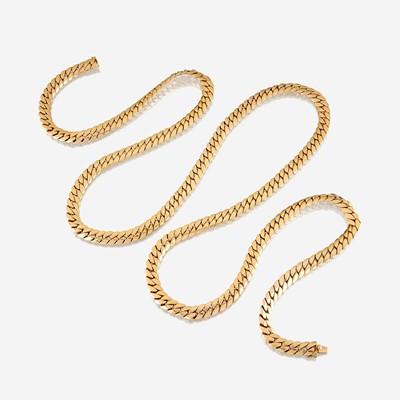 Lot 28 - An eighteen karat gold necklace, Tiffany & Co.