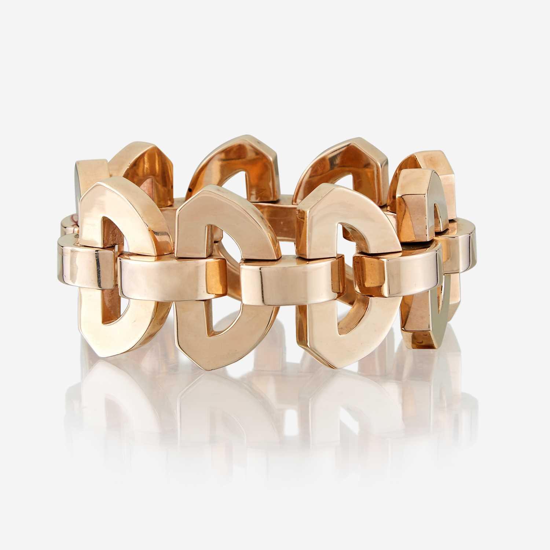 Lot 40 - A fourteen karat gold bracelet