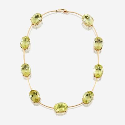 Lot 17 - A citrine and eighteen karat gold necklace