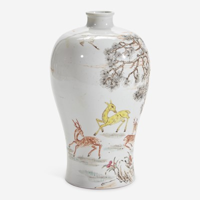 """Lot 20 - A Chinese famille rose-decorated """"Deer and Crane"""" meiping vase 粉彩""""鹿鹤""""梅瓶"""