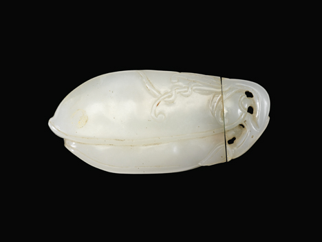 Lot 30 - Fine Chinese white jade 'pod' double chamber snuff bottle