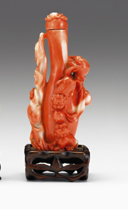 Lot 3 - Good Chinese coral snuff bottle