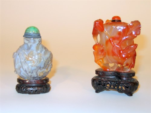 Lot 22 - Chinese smoky agate and brown agate snuff bottles