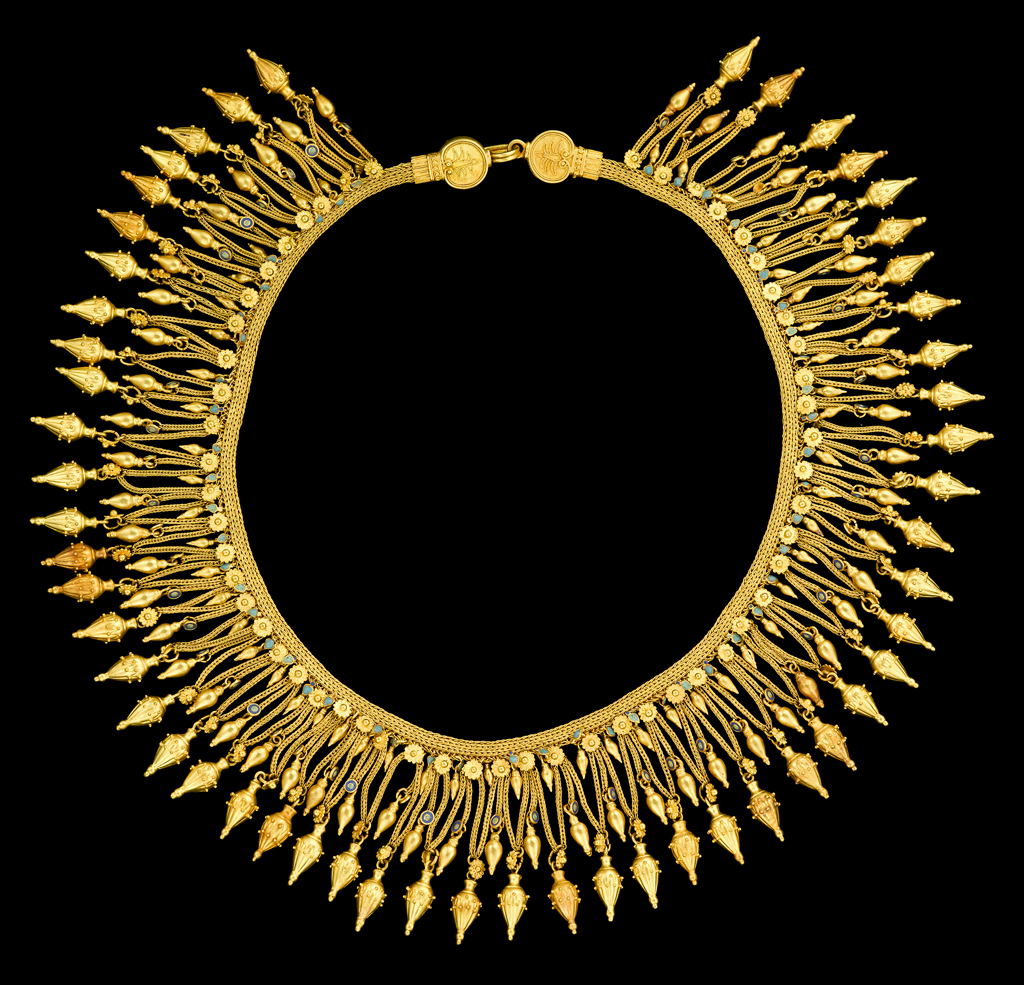 Lot 85 - A fine gold woven fringe revival necklace, Castellani