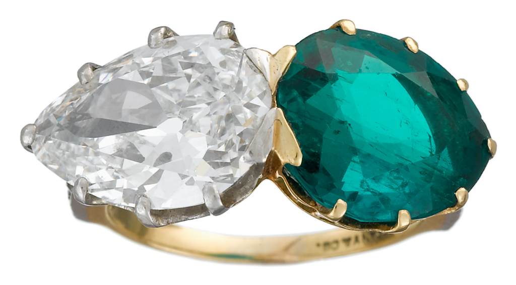 Lot 65 - A Colombian emerald, diamond, eighteen karat gold and platinum ring, Tiffany & Co.