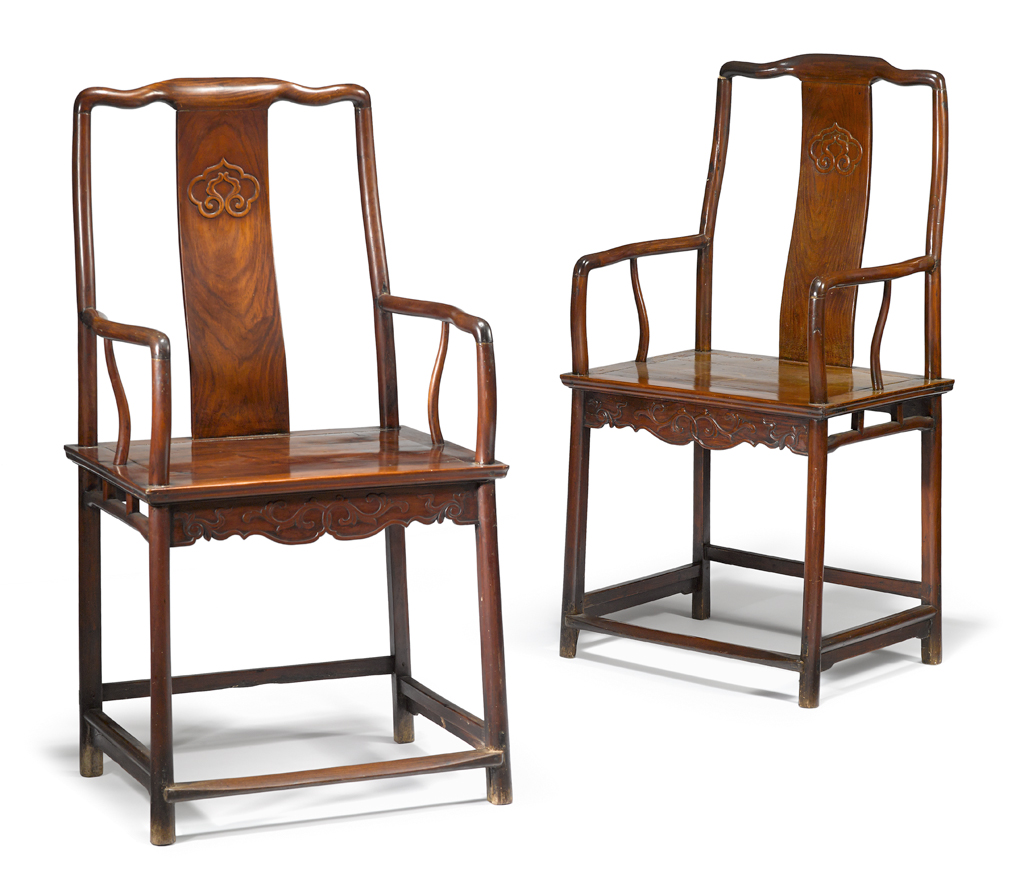 Lot 202 - Fine pair of Chinese huanghuali armchairs