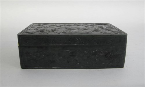 Lot 13 - A chinese spinach jade cover box