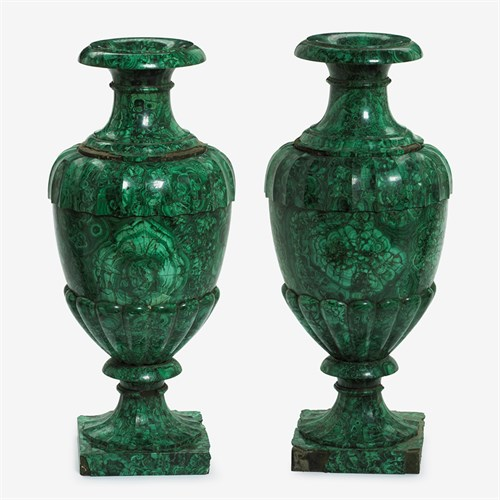 Lot 53 - Important pair of Russian malachite urns